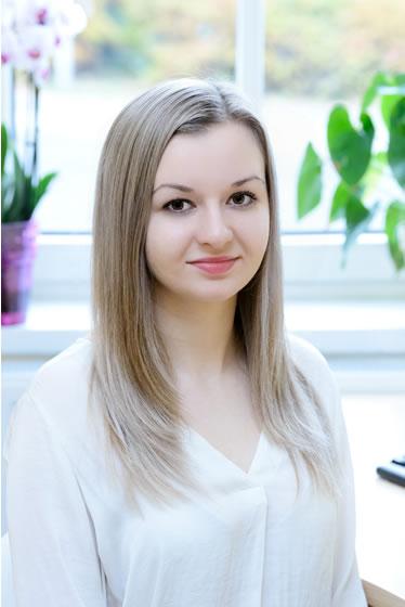 Adrianna Adamczyk Meritumm